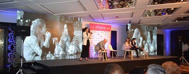 Se dieron cita más de 60 expertos de la moda y la belleza en Internet durante el eFashion Day
